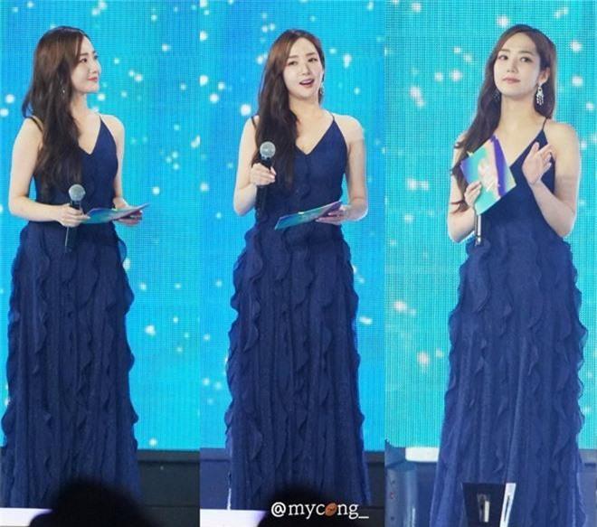 Khéo sửa váy, Park Min Young đẹp mà vẫn sexy hơn cả mỹ nữ bị cắt sóng trên truyền hình vì khoe vòng 1 quá đà - Ảnh 2.