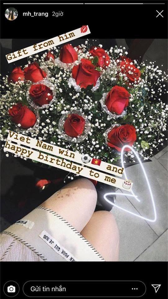 Giữa bão chiến thắng, Hà Đức Chinh vẫn không quên gửi hoa tặng sinh nhật bạn gái - Ảnh 1.