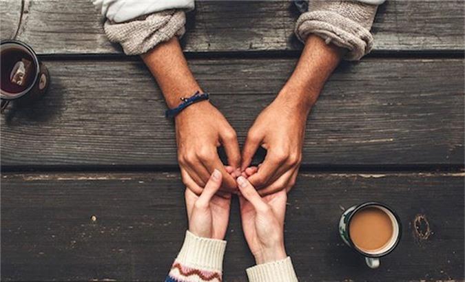 Việc duy trì những cuộc tình không hạnh phúc kiểu này sẽ không đem lại lợi ích cho bất kỳ bên nào cả