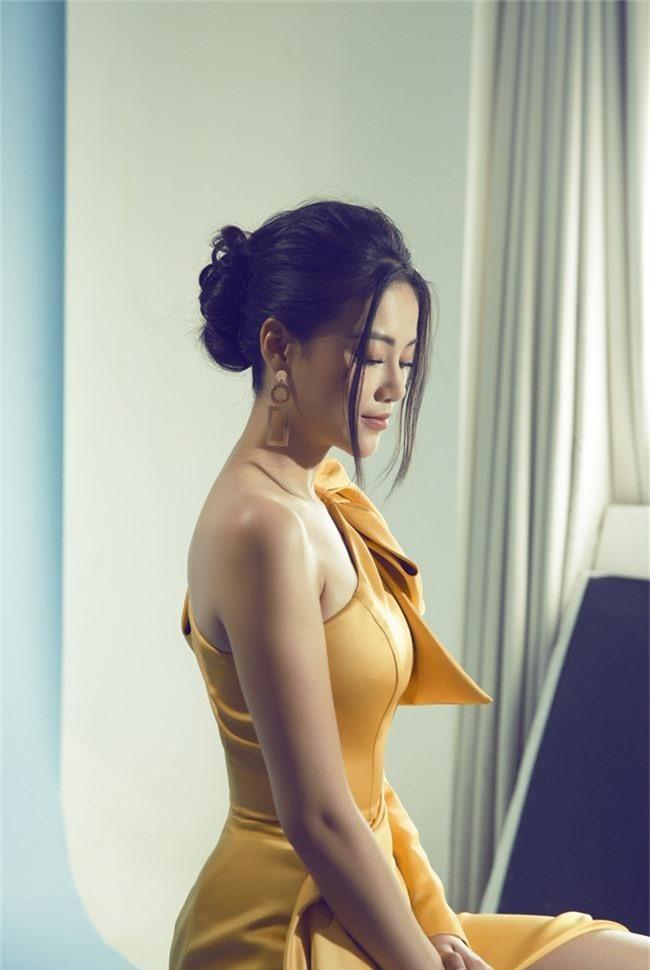 Hoa hậu Phương Khánh tiết lộ người xốc lại tinh thần sau những ồn ào mua giải - Ảnh 5.