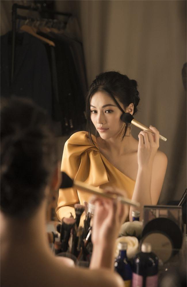 Hoa hậu Phương Khánh tiết lộ người xốc lại tinh thần sau những ồn ào mua giải - Ảnh 7.
