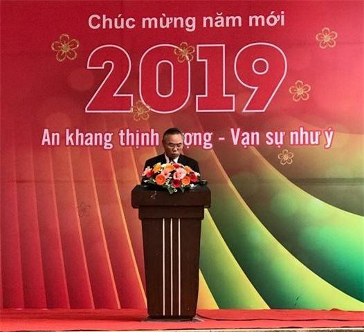 Thứ trưởng Bộ NN&PTNT Phùng Đức Tiến  phát biểu khai mạc hội chợ