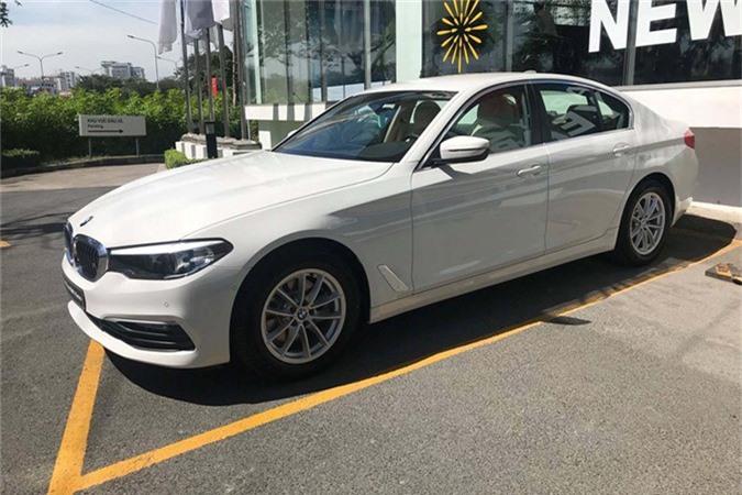Can canh BMW 5-Series 2019 moi gia 2,4 ty tai Viet Nam-Hinh-11