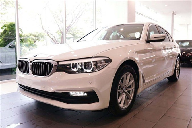 Can canh BMW 5-Series 2019 moi gia 2,4 ty tai Viet Nam-Hinh-2
