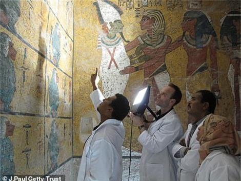 Mo lang mo vua Tutankhamun, choang vang vi canh tuong nay-Hinh-3