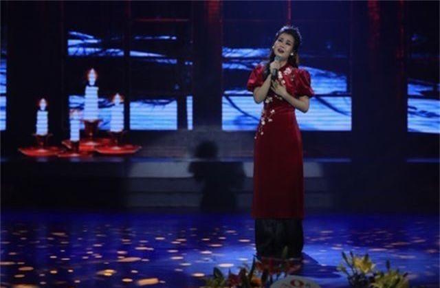 """Võ Hạ Trâm """"Vui như Tết"""" trong lần đầu trở lại sân khấu sau kết hôn - 4"""