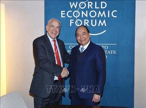 Thủ tướng Nguyễn Xuân Phúc tiếp Tổng Thư ký OECD Angel Gurria. Ảnh: Thống Nhất/TTXVN