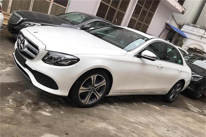 Can canh Mercedes-Benz E-Class 2019 hon 2 ty tai Viet Nam
