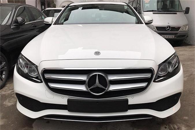 Can canh Mercedes-Benz E-Class 2019 hon 2 ty tai Viet Nam-Hinh-3