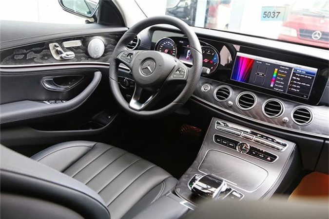 Can canh Mercedes-Benz E-Class 2019 hon 2 ty tai Viet Nam-Hinh-4
