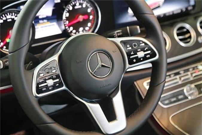 Can canh Mercedes-Benz E-Class 2019 hon 2 ty tai Viet Nam-Hinh-5