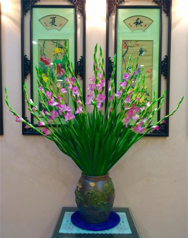 Những loại hoa trang trí nhà mà chỉ cần nhìn thấy là gợi nhớ đến Tết xưa - Ảnh 3.