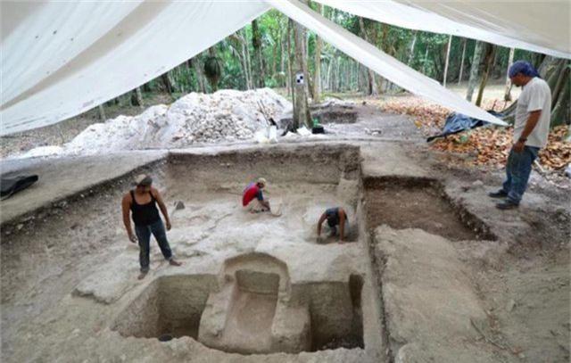 """Các nhà khảo cổ tìm thấy """"phòng tắm hơi cổ đại"""" của người Maya - Ảnh 1."""