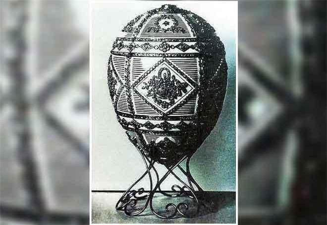 Một quả trứng do Faberge chế tác để tưởng nhớ Alexander III, đã biến mất sau Cách mạng Nga