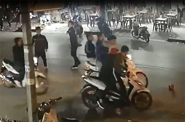 Sự việc gây náo loạn trên đường phố Sầm Sơn.
