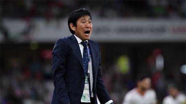 HLV Hajime Moriyasuhạnh phúc sau chiến thắng trước Iran.