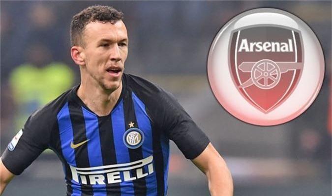 Oái ăm chuyện Arsenal phải cõng lương khủng cho Ozil dù đổi lấy Perisic