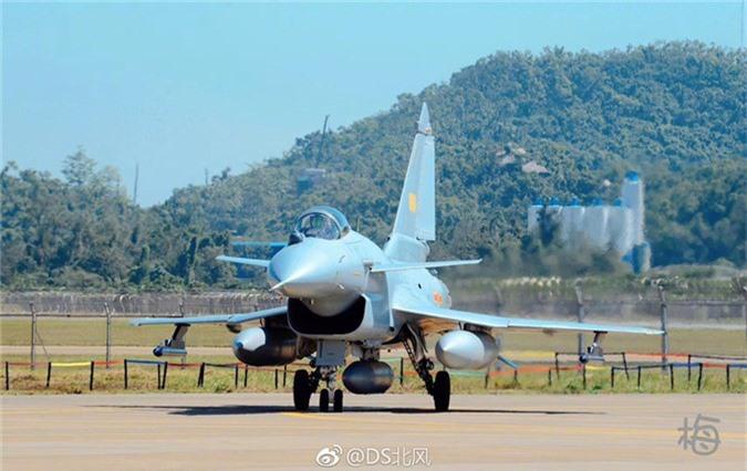 Sau ten lua, Lao se mua tiem kich J-10C tu Trung Quoc?-Hinh-10