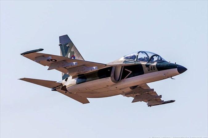 Sau ten lua, Lao se mua tiem kich J-10C tu Trung Quoc?-Hinh-6