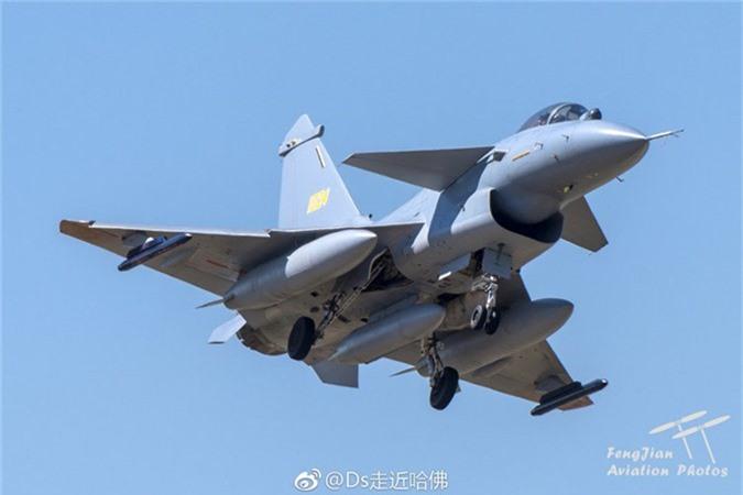 Sau ten lua, Lao se mua tiem kich J-10C tu Trung Quoc?-Hinh-7