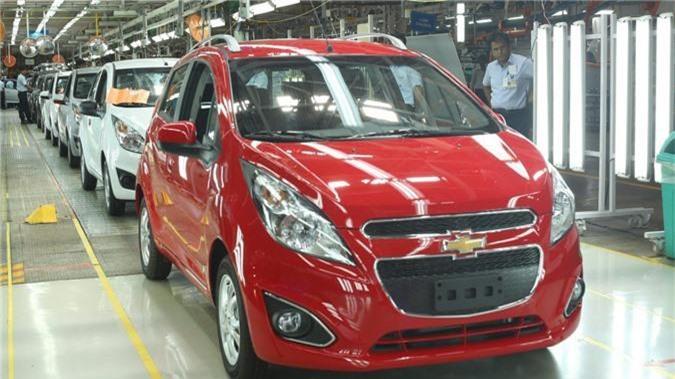 """Ô tô ở Ấn Độ có giá cực """"bèo"""" là do các hãng cắt giảm nhiều option để giảm giá."""