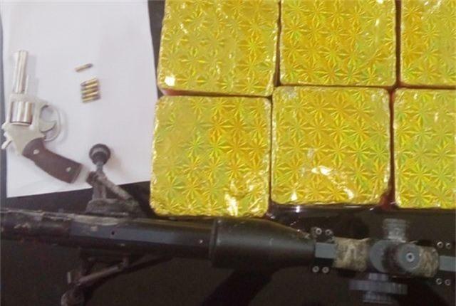 Công an thu giữ gần 200 khẩu súng, 11 lựu đạn - 2