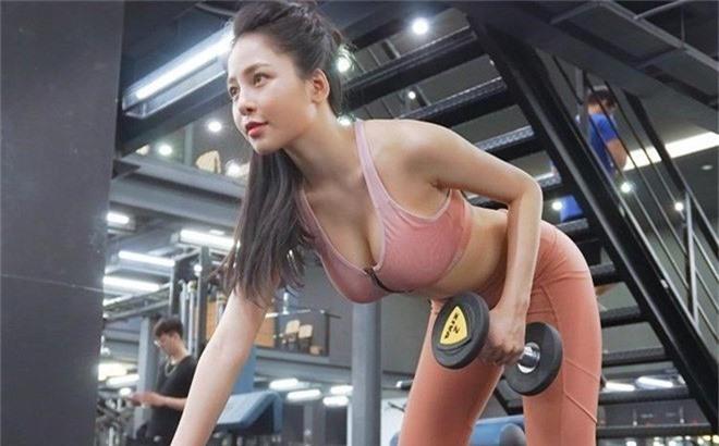 Táo Quân 2019: Loạt ảnh hot girl đình đám Trâm Anh bị dìm nhan sắc - Ảnh 1.