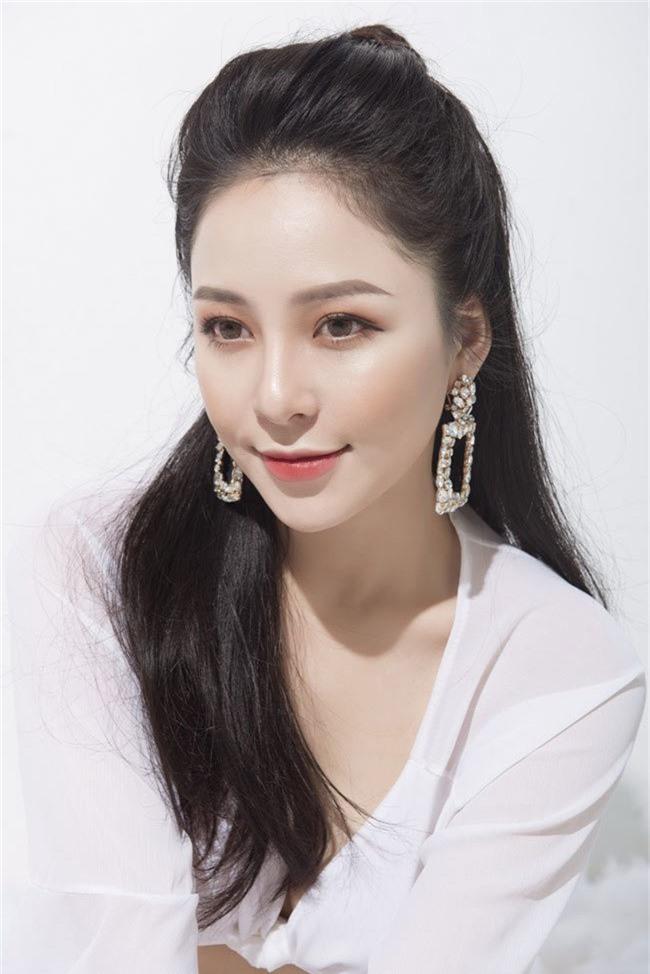 Táo Quân 2019: Loạt ảnh hot girl đình đám Trâm Anh bị dìm nhan sắc - Ảnh 2.