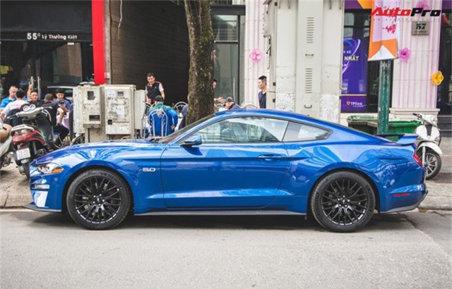 Chủ xe Ford Mustang GT 2019 thứ 2 tại Việt Nam quyết không đụng hàng khi sở hữu bộ ghế ngàn đô - Ảnh 3.