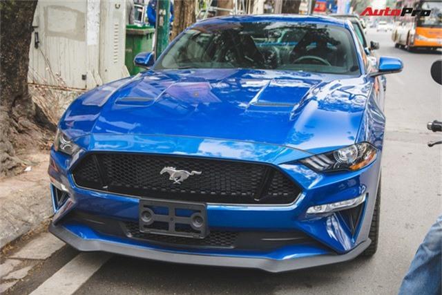 Chủ xe Ford Mustang GT 2019 thứ 2 tại Việt Nam quyết không đụng hàng khi sở hữu bộ ghế ngàn đô - Ảnh 8.