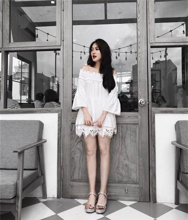 Em họ Hương Tràm: Thích mặc mốt giấu quần, trẻ đẹp gợi cảm không kém chị - 5..jpg