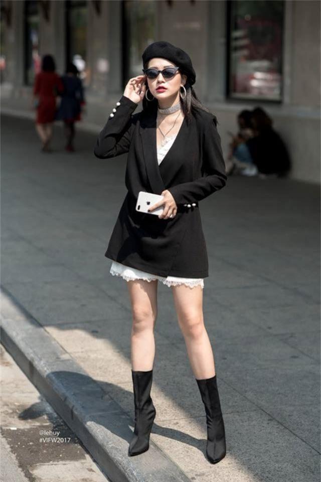 Em họ Hương Tràm: Thích mặc mốt giấu quần, trẻ đẹp gợi cảm không kém chị - 6..jpg