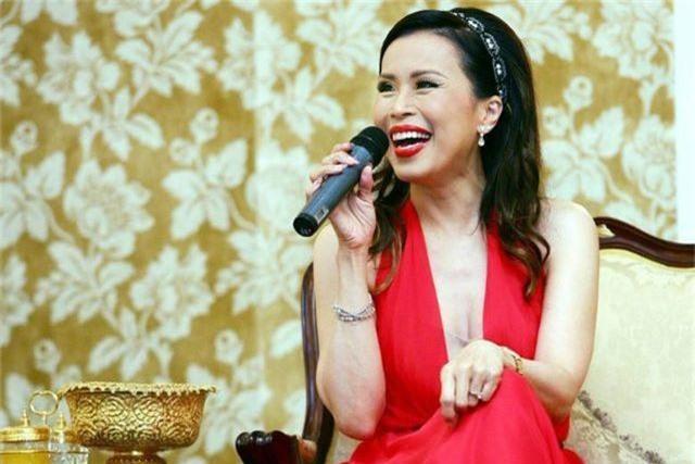 """Chân dung """"bóng hồng"""" hoàng gia tranh cử thủ tướng Thái Lan - 4"""