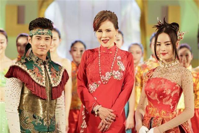 """Chân dung """"bóng hồng"""" hoàng gia tranh cử thủ tướng Thái Lan - 9"""