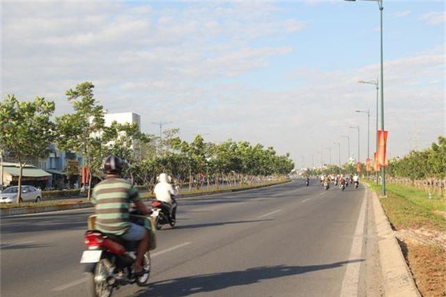Đường phố Sài Gòn thênh thang đến lạ trong ngày làm việc đầu năm - 1