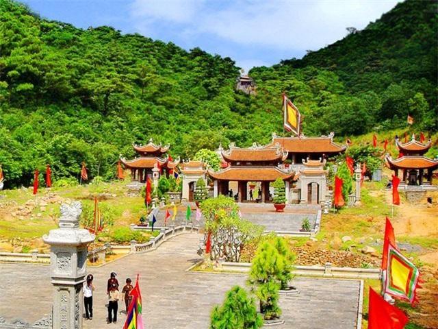 Lễ hội mùa Xuân Côn Sơn