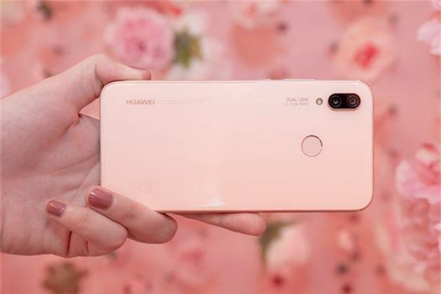 Gợi ý smartphone màu hường dành tặng bạn gái dịp Valentine - 6
