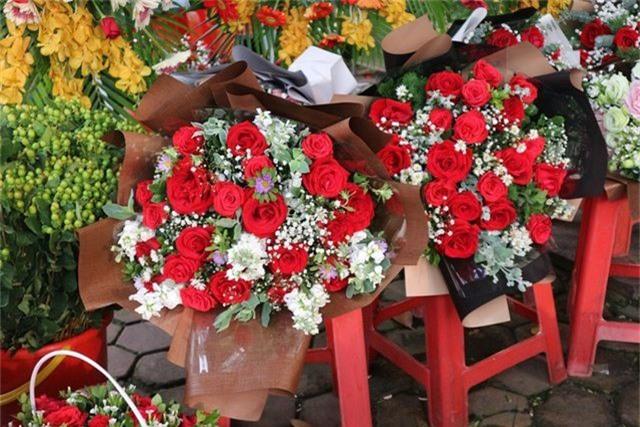 Đa dạng thị trường quà tặng Valentine nhưng sức mua khá yếu - 6