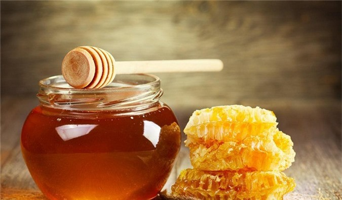 Mật ong là vị thuốc quý ở cả Đông y và Tây y. Ảnh minh họa.