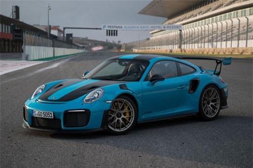 =5. Porsche GT2 RS 2019 (vận tốc tối đa: 340 km/h).