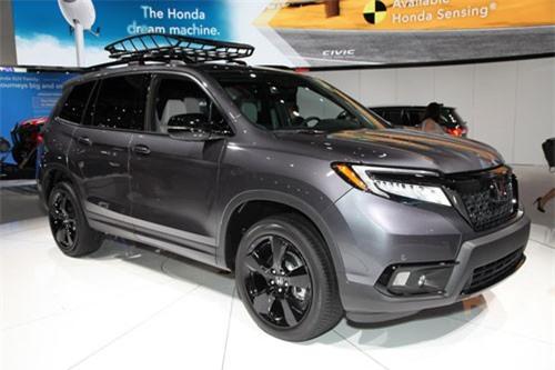 Top 10 xe SUV cỡ trung sở hữu khoang hành lý lớn nhất. Honda Passport 2019 chính là mẫu xe SUV cỡ trung sở hữu khoang hành lý lớn nhất trên thị trường thế giới hiện này với dung tích lên tới 1.167 lít. (CHI TIẾT)
