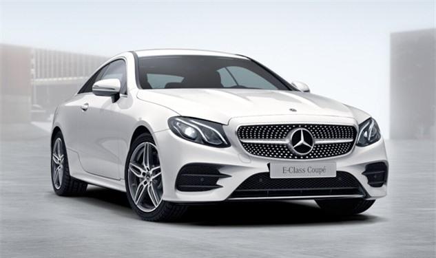 Bảng giá Mercedes-Benz tháng 2/2019. Là thương hiệu xe sang duy nhất có nhà máy tại Việt Nam, Mercedes-Benz có thế mạnh về giá bán do thuế nhập khẩu linh kiện chỉ khoảng 30%, so với các mức thuế nhập khẩu xe nguyên chiếc lên tới 70%. Hiện Mercedes-Benz lắp ráp các mẫu C-class, E-class, S-class và xe thể thao đa dụng GLC. (CHI TIẾT)