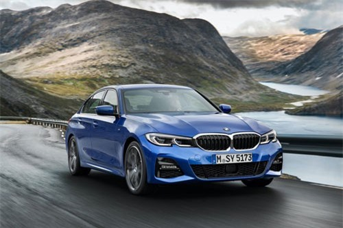 3. BMW 330i 2019 (giá khởi điểm: 41.245 USD).