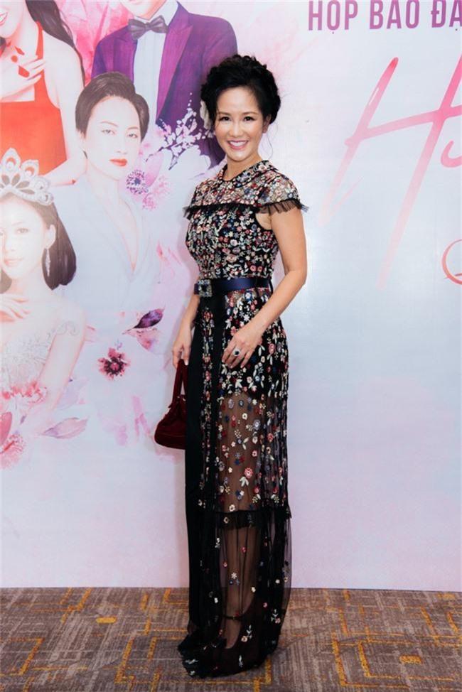 Nàng Bống Hồng Nhung điệu đà váy xuyên thấu, lần đầu hợp tác cùng Hà Anh Tuấn - Ảnh 3.