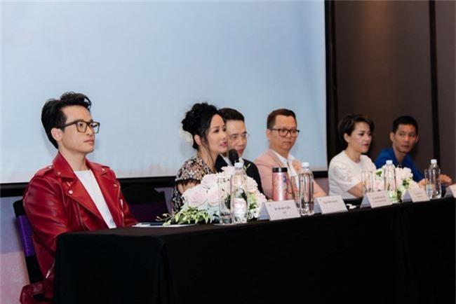 Nàng Bống Hồng Nhung điệu đà váy xuyên thấu, lần đầu hợp tác cùng Hà Anh Tuấn - Ảnh 9.