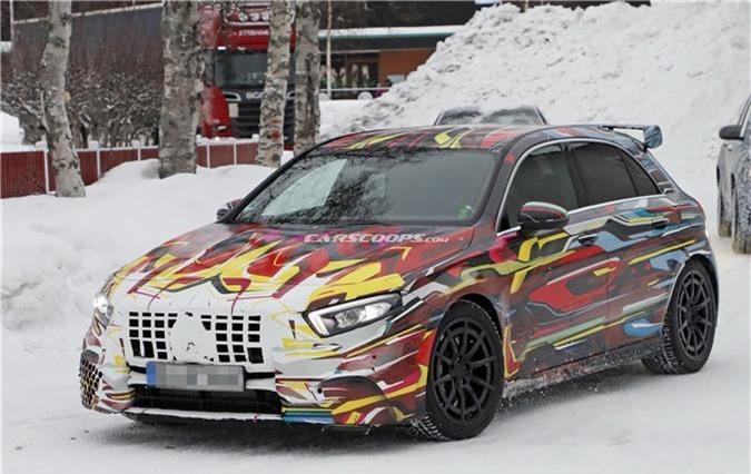 Mercedes-AMG A45 2020 mạnh 416 mã lực sắp ra mắt. Tại Geneva Motor Show 2019, hãng xe Đức sẽ trình làng mẫu xe Mercedes-AMG A45 thế hệ mới, với hai biến thể có sức mạnh lần lượt là 383 mã lực và 416 mã lực.(CHI TIẾT)