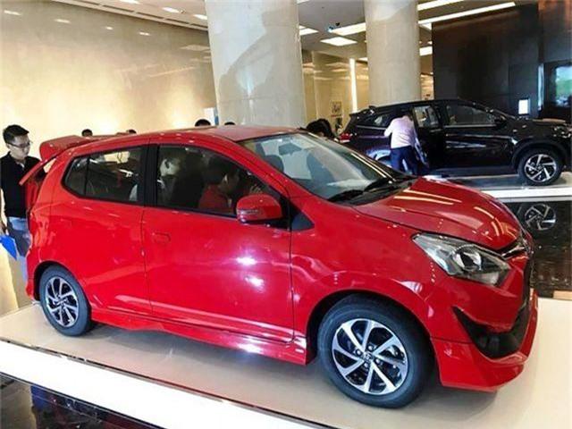 Mua ô tô mới, dân Việt phải đợi khoảng 11 ngày mới được giao xe. Tại Việt Nam, chủ xe mới phải đợi trung bình là 11 ngày để được nhận xe từ showroom. Trong khi đó, khách hàng nhận được xe trong vòng 3 ngày sau khi mua sẽ cảm thấy hài lòng hơn so với khách nhận được xe sau hơn 7 ngày. (CHI TIẾT)