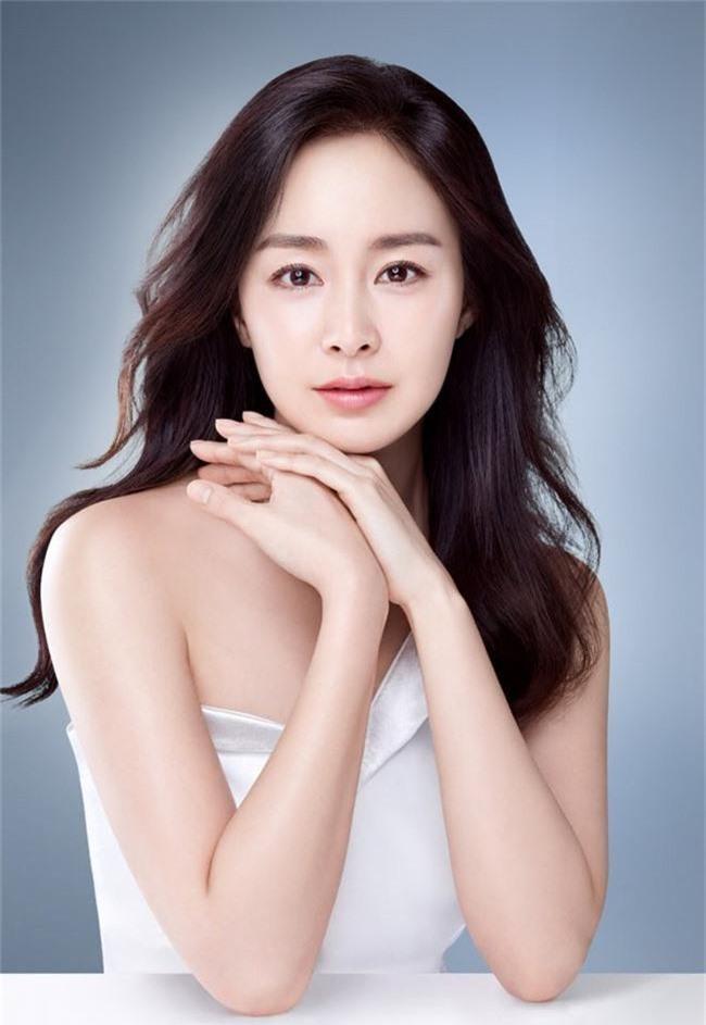 Cặp đôi vàng Kbiz Kim Tae Hee – Bi Rain chuẩn bị chào đón đứa con thứ hai - Ảnh 1.