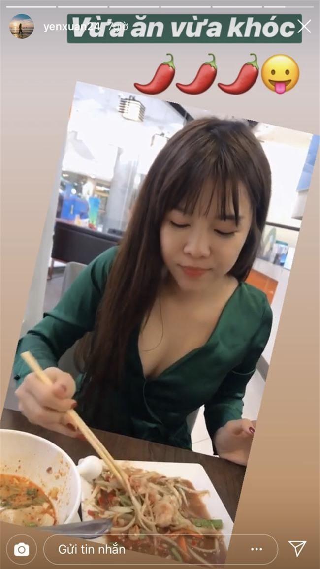 Vừa đón lễ Tình Yêu bên Lâm Tây, nữ HLV nóng bỏng Yến Xuân lại tiếp tục sang Thái hẹn hò với chàng thủ thành - Ảnh 1.
