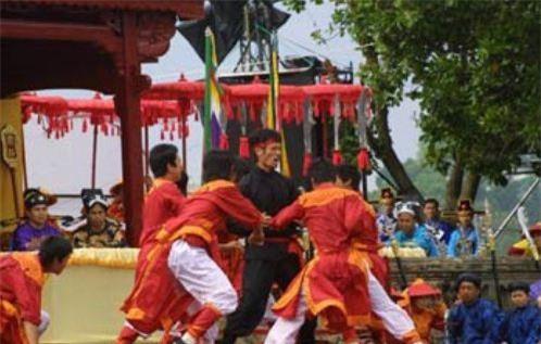 Tái hiện Hội thi tiến sỹ võ tại Festival Huế 2008. Ảnh: Đại biểu nhân dân.